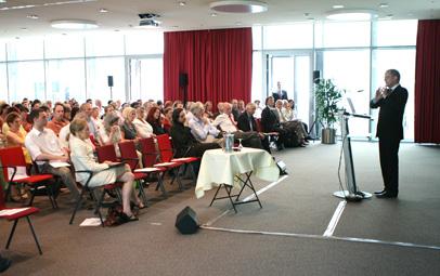 Vortragssaal und Prof. Kruse